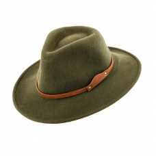 Poľovnícky klobúk s koženým páskom